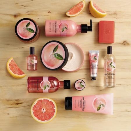 Rozā greipfrūta smaržūdens ķermenim