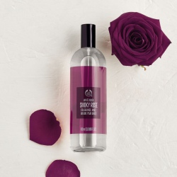 White Musk Smoky Rose smaržūdens ķermenim