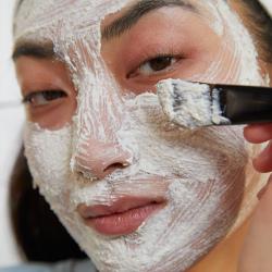 Ķīnas ženšeņa un rīsu skrubja maska