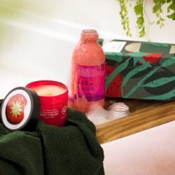 Подарочный дуэт для ванны и тела «Клубника»